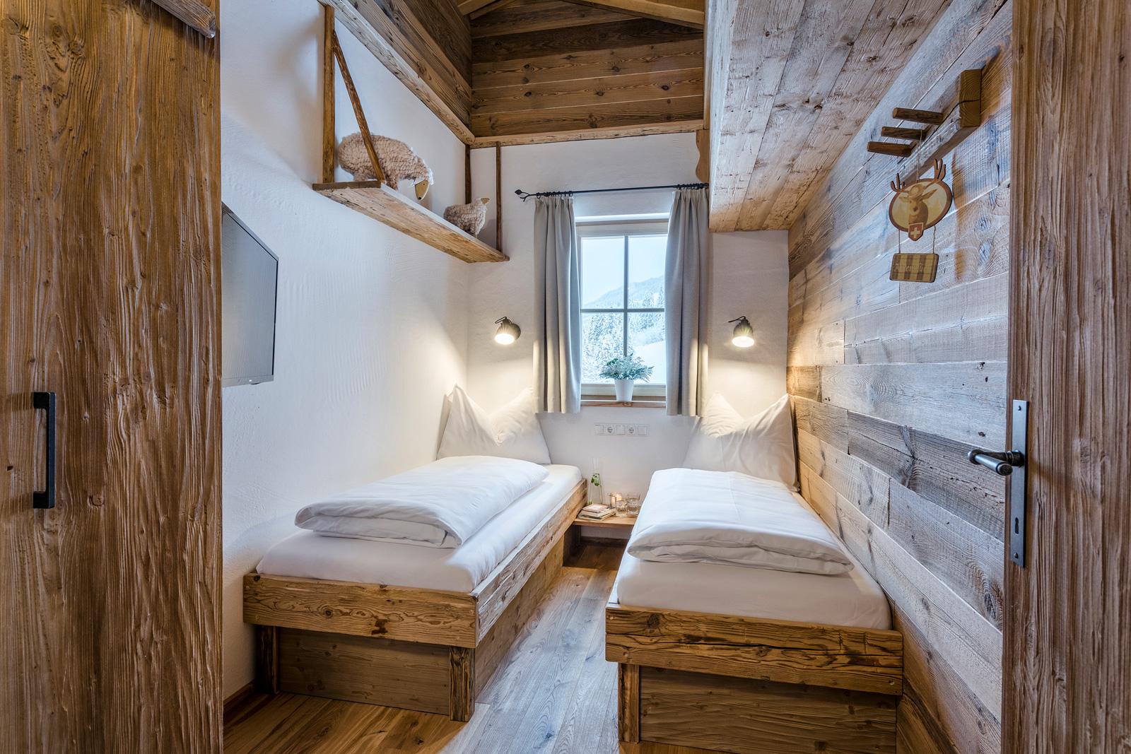 Zwei Einzelbetten in der Lodge Faulkogel