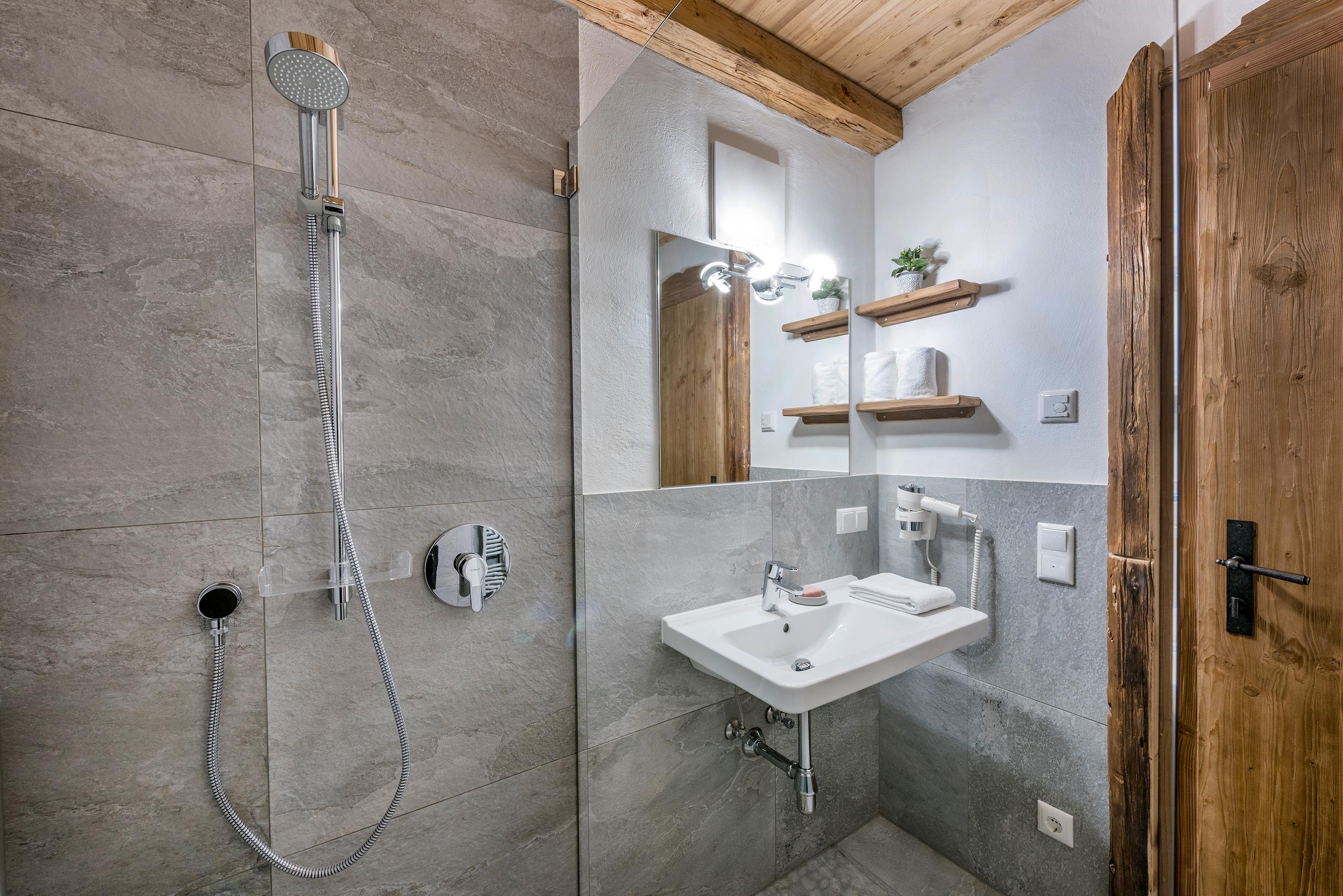 Luxus Pur - das Badezimmer der Lodge Ennskrax